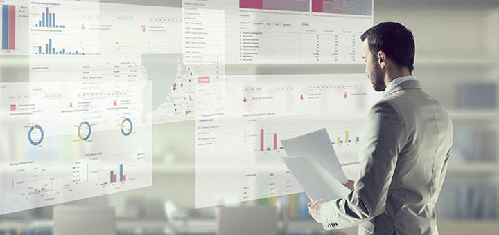 hombre datos reporte digital
